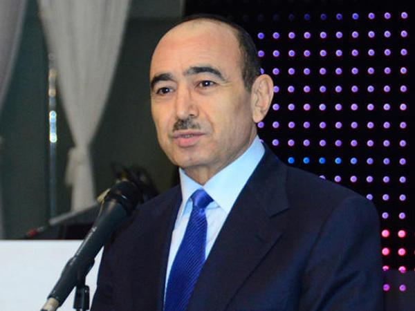 """Əli Həsənov: """"Hamı Azərbaycanda özünün koloniyasını yaratmaq istəyirdi"""""""