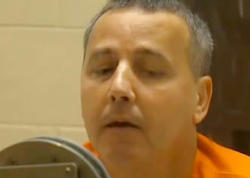 """6 homoseksualı öldürən kişi edam edildi - <span class=""""color_red"""">Hamısının boğazına öz imzasını çəkib - FOTO</span>"""