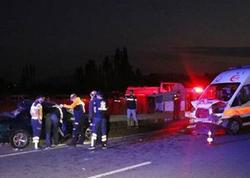 """Ambulans iki minik avtomobili ilə toqquşdu: <span class=""""color_red"""">2 ölü, 5 yaralı - FOTO</span>"""