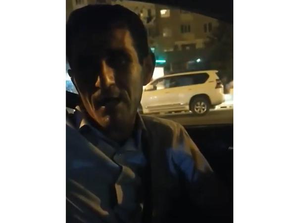"""Bakıda taksi sürücüsü Nəsimini əzbər bilir - <span class=""""color_red"""">VİDEO</span>"""