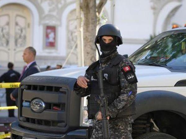 Tunisdə prezidentliyə namizəd olan şəxs korrupsiyaya görə saxlanılıb