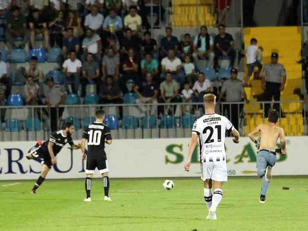 """UEFA """"Qarabağ""""ı 20 min avro cərimələdi"""