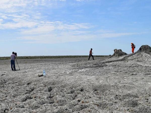 Xərə Zirə adasının palçıq vulkanı elementləri tədqiq edilib
