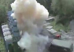 "Elektrik işçisini 6 min voltluq cərəyan vurdu - <span class=""color_red"">ŞOK VİDEO</span>"