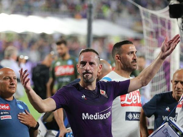 """&quot;Fiorentina&quot; &quot;Napoli&quot; oyununda &quot;qol yağışı&quot; - <span class=""""color_red"""">VİDEO</span>"""