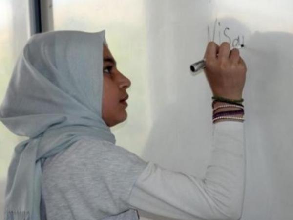İranda məktəblilərə Azərbaycan türkcəsi tədris olunacaq