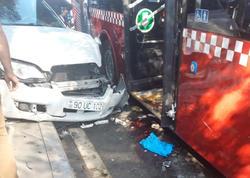 """Bakıda dəhşətli avtobus qəzası: 2 qadın ağır yaralandı - <span class=""""color_red"""">Birinin ayağı qopub - YENİLƏNİB - TƏFƏRRÜAT - FOTO</span>"""