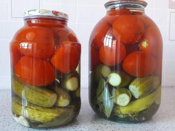 """Xiyar, pomidor turşusunun hazırlanması - Usta öz sirlərini açır - <span class=""""color_red"""">VİDEO</span>"""