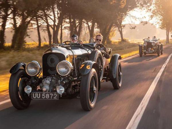 Bentley yeni replikaların hazırlanması üçün klassik yarış bolidini sökəcək - FOTO