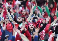 """İranda qadınların stadionda futbol izləmələrinə icazə verildi - <span class=""""color_red"""">RƏSMİ</span>"""