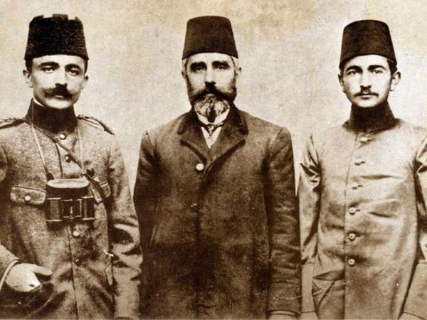 """""""Azərbaycan, gəldik!"""" deyən <span class=""""color_red"""">PAŞALAR</span>"""