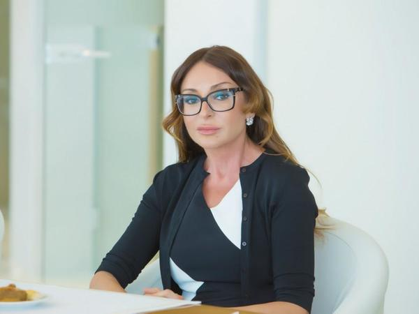 Birinci vitse-prezident Mehriban Əliyeva şagird və tələbələri Bilik Günü münasibətilə təbrik edib