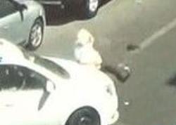 """Bakıda taksi sürücüsü piyada keçidində yaşlı kişini vurub öldürdü - <span class=""""color_red"""">ANBAAN VİDEO</span>"""