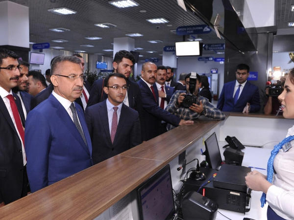 """Türkiyənin Vitse-prezidenti Fuat Oktay """"ASAN xidmət"""" mərkəzi ilə tanış olub - FOTO"""