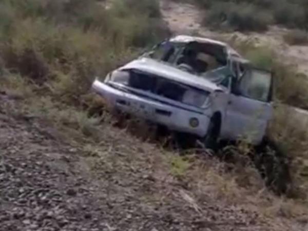 """Sürücü sükan arxasında ürək tutmasından öldü: <span class=""""color_red"""">maşın dərəyə yuvarlandı - VİDEO</span>"""