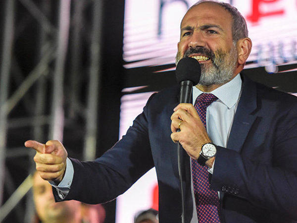 """Paşinyan Sərkisyanın kürəkəninə səsləndi: <span class=""""color_red"""">Geri qayıt...</span>"""