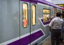 """Bakı metrosunda nasazlıq: <span class=""""color_red"""">yeni qatar tuneldə qaldı, qapılar açılmadı</span>"""