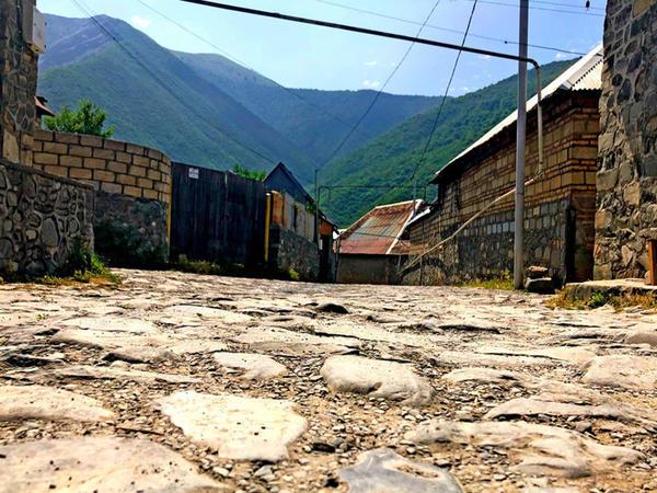 Əsrarəngiz təbiətə malik Kiş - FOTO