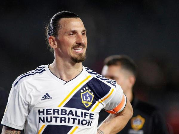 """&quot;MLS tarixinin ən yaxşı futbolçusuyam&quot; - <span class=""""color_red"""">İbrahimoviç</span>"""