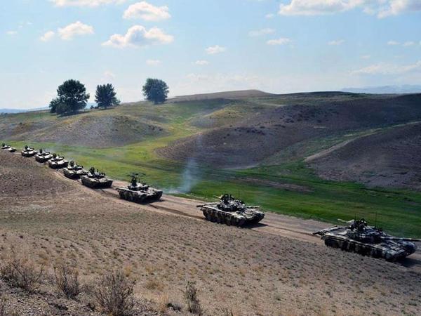 Azərbaycan Ordusu yerdəyişmə tapşırıqlarını icra edib - VİDEO