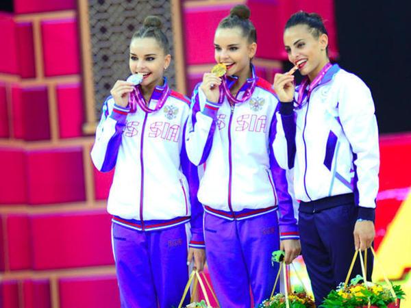 Bakıda bədii gimnastika üzrə dünya çempionatının fərdi finallarının qalibləri mükafatlandırılıb - FOTO