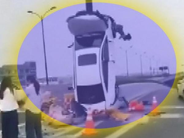"""Xanım sürücü avtomobili """"şahə"""" qaldırdı - VİDEO"""
