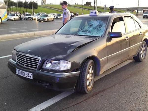 Bakıda avtomobilin vurduğu piyada hadisə yerində öldü - VİDEO - FOTO