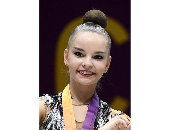 Dina Averina dünya çempionatında lentlə hərəkətlərdə birinci yeri tutub
