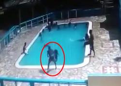 15 yaşlı qızın dayaz hovuzda boğulma anı - VİDEO (+18)