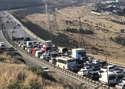 """Bakıda AĞIR QƏZA: """"Audi"""" yoldan çıxıb arakəsməyə çırpıldı - VİDEO - FOTO"""