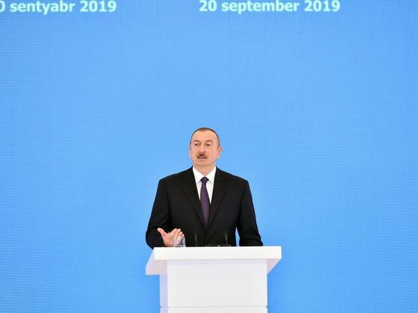 """Azərbaycan Prezidenti: """"Bu gün Azərbaycan nefti müstəqil Azərbaycan dövlətinə xidmət göstərir"""""""