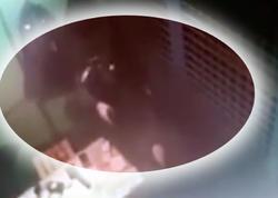 """Rüşvət alan polis qandallanacağını hiss edib iki həmkarını güllələdi - <span class=""""color_red"""">VİDEO</span>"""