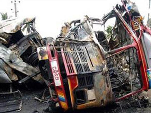 """Bu ölkədə də avtobus qəzası: <span class=""""color_red"""">3 ölü</span>"""