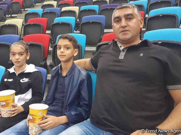 "Azərbaycan gimnastlarına azarkeşlik edirəm - <span class=""color_red"">Tamaşaçı</span>"