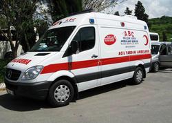 Turkiyədə turistlərin olduğu avtobus aşıb