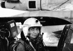 """NATO-nun ilk azərbaycanlı qadın pilotu: <span class=""""color_red"""">Ləman Bozqurd kimdir? - FOTO</span>"""