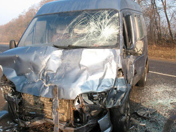 """Bakı-Qazax yolunda mikroavtobusla """"VAZ"""" toqquşdu - Yaralı var"""