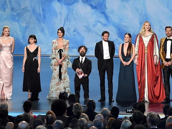 """""""Taxt oyunları"""" """"Emmy""""də 14 mükafat aldı - FOTO"""