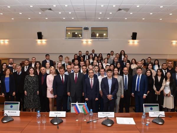 Azərbaycan və Rusiya gəncləri Sankt-Peterburqda bir araya gəldilər
