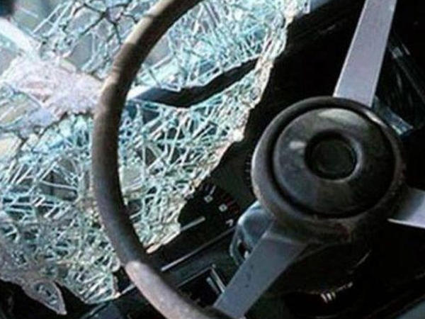 """Bakıda avtobus yük maşını ilə toqquşdu: <span class=""""color_red"""">yaralı var</span>"""