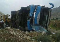 """İranda neft şirkətinin avtobusu aşdı: <span class=""""color_red"""">ölən və yaralanan var </span>"""