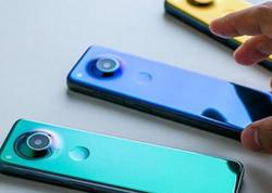 Android-in atası televizor pultuna oxşar yeni Essential Phone-u paylaşdı