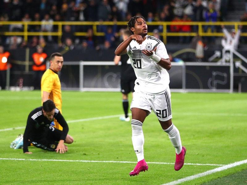 Alman futbolçu yeni rekord müəyyənləşdirdi
