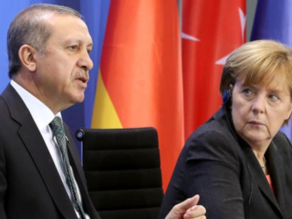 """Merkel Ərdoğana zəng vurdu - """"Hücumu dərhal dayandırın"""""""