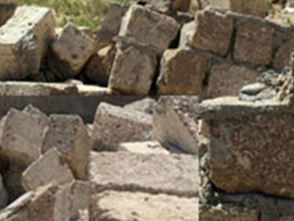 Qubada faciə: gənc hasarın altında qalaraq öldü