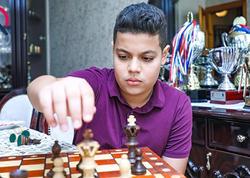 """14 yaşında dünya çempionu olan şahmatçımız Aydıngildən REPORTAJ - <span class=""""color_red"""">VİDEO - FOTO</span>"""