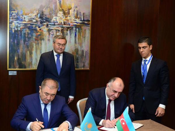Azərbaycan və Qazaxıstan arasında vizasız rejim qaydaları dəyişdi - FOTO