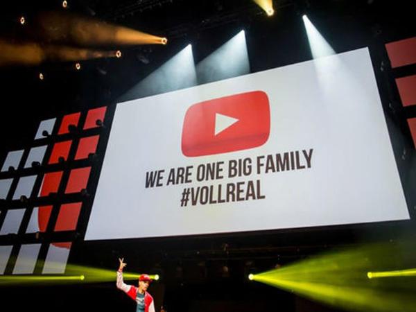"""""""YouTube""""da ilk - Şərhə 1 milyon """"like"""" gəldi - FOTO"""