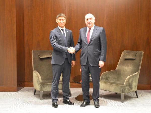 Elmar Məmmədyarov qırğızıstanlı həmkarı ilə görüşüb - FOTO