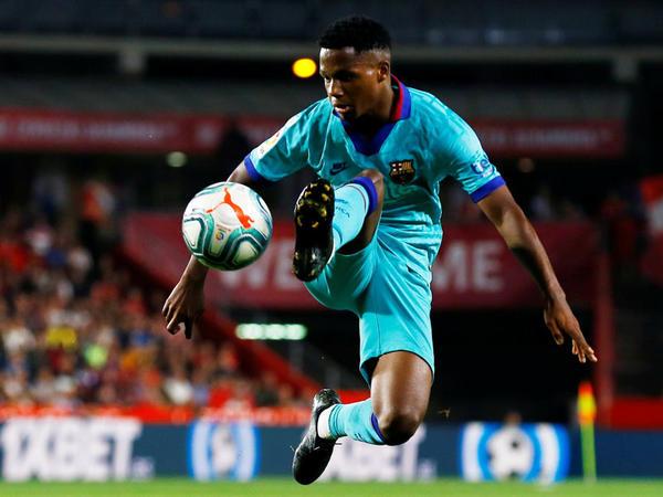 """&quot;Barselona&quot; 16 yaşlı futbolçu ilə yeni müqavilə imzalayır - <span class=""""color_red"""">200 milyon avro</span>"""